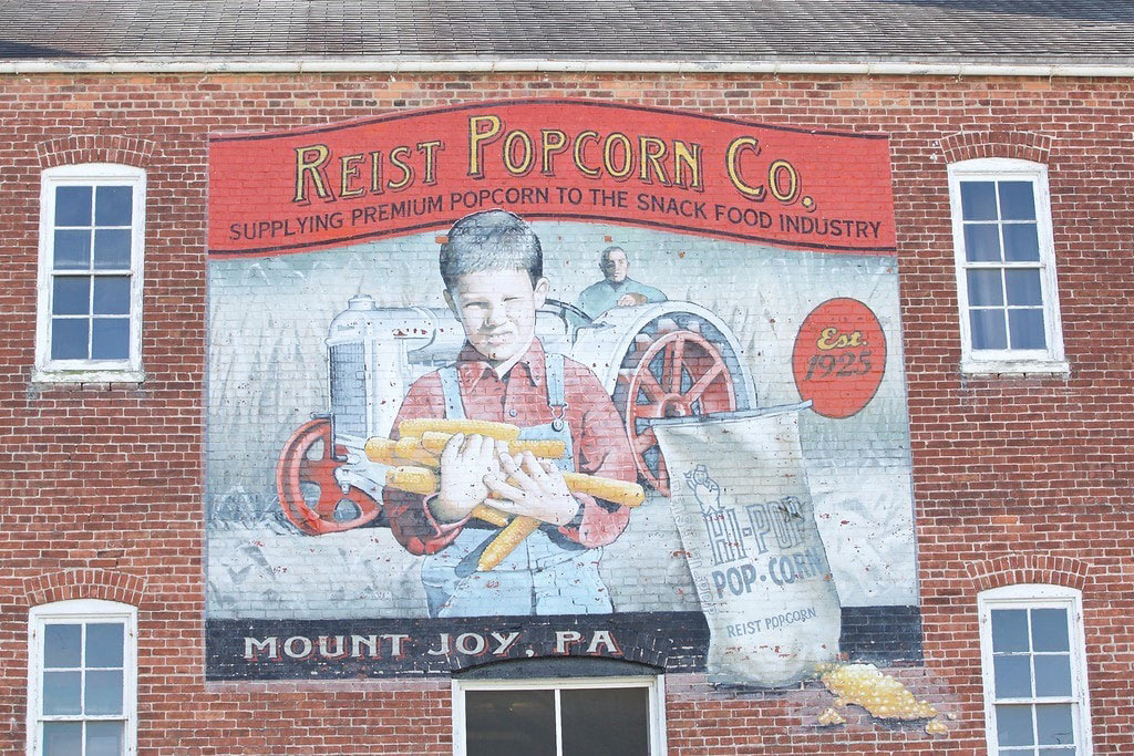 Reist Popcorn's mural in Mount Joy, Pennsylvania