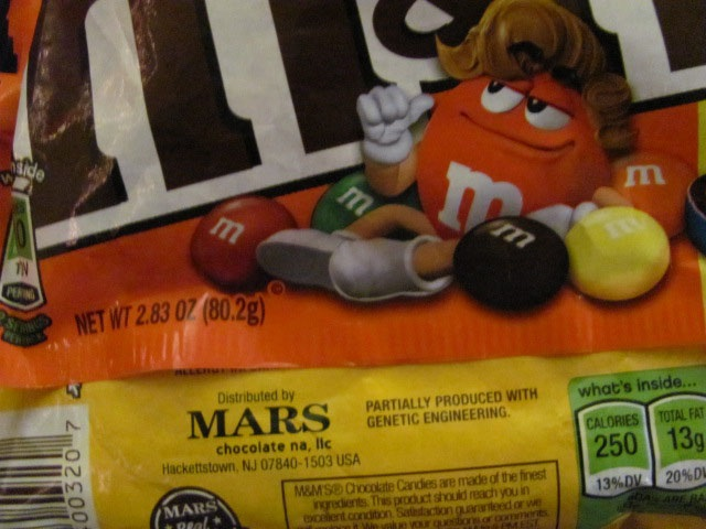 GMO food label on M&M package